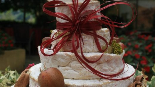 La Cheese wedding cake
